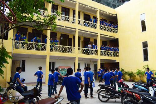 Thời gian, Thủ tục và Chính sách cho học viên nhập học