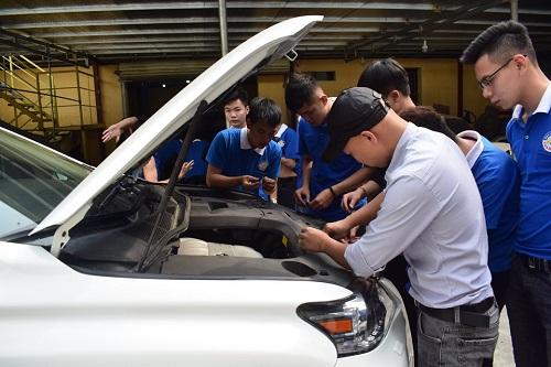 Ưu điểm học nghề sửa chữa ô tô