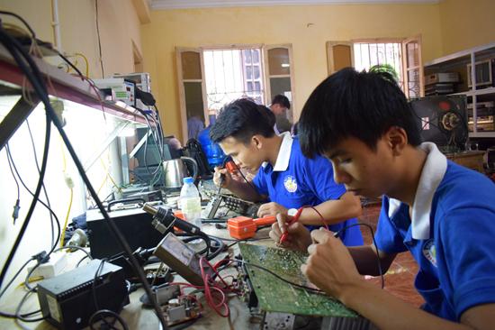 dạy nghề sửa chữa điện tử uy tín nhất miền bắc